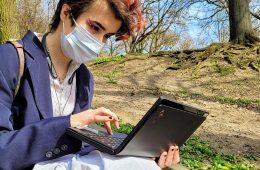 Jak się sprawdza pierwszy komputer ze zginanym ekranem - Lenovo ThinkPad X1 Fold?